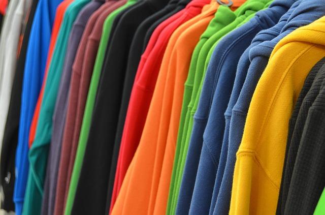 barevné mikiny.jpg
